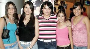 Mariana, Tania, Oly, Maleny y Ale.