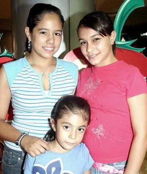 <b>21 de septiembre </b><p> Zulema García Ulloa, Zujeila Peña Dib y Ana Laura Ulloa.