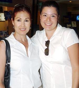Blanca Venegas y Blanca Santelices.