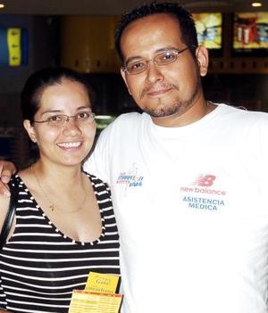 José Eduardo Carrizales y Gloria Ivonne Ríos.