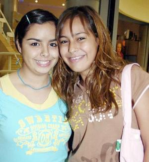 Ana Esperanza y Sofía Rivas.
