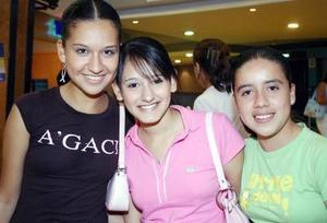 Cecy Zúñiga, Karime Velásquez y Michaelle López.