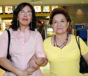 Linda de García y Ana Bertha Rivas.