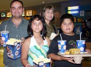 Aarón, Selene, Andrea y Alonso.