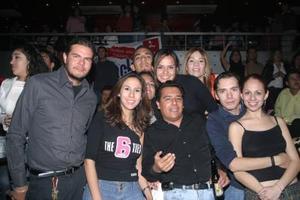 Grisel, Blanca, Gonzalo, Haydé, Amparo, Gaby, Fernando, Mary y Victori
