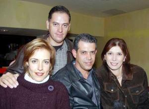 Jesús y Mary Carmen Monárrez, Vicente y Oly Mireles.