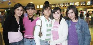 Gloria Mata, Laura y Lucero Guillén, Angélica y Gaby García