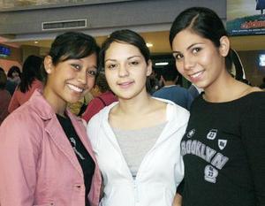 Ivette Ramos, Angélica Jurado, Estefanía Puentes.