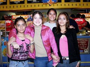 Adriana Carolina, Karla Susana, Elizbeth Colmenero y Karen Magaña.