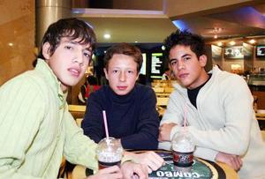 Christopher Rodríguez, Ángel Barrera y Tino Figueroa.