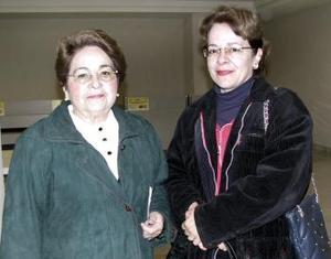 Aurora Gutiérrez viajó al DF y fue despedida por Elsa Wiesinger
