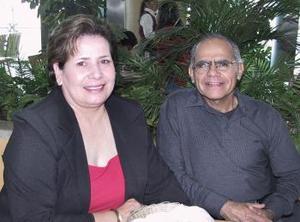 Carlos Samaniego Acuña y Conchita Mota de Samaniego.