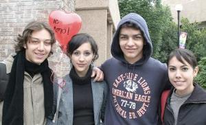 Daniela, Misha, Mario y Mayoya.