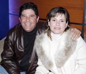 Mauricio  Treviño y Maribel de Treviño.
