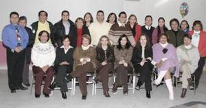 Eliseo Medina Elizondo  fue acompañando en su cumpleaños   por un grupo de amistades.
