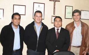 José Antonio Jacinto Pacheco, Iván Chávez, Roberto Carlos Robles y José Ángel Hernández en pasado acontecimiento social.