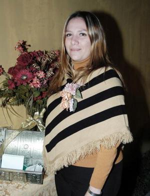 <b>05 de febrero de 2005</b> <p> Úrsula María Leija Favela contrajo matrimonio el pasado 29 de enero con José Antonio Padilla Becerril.