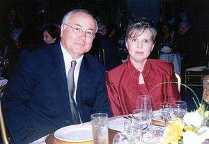 Jorge Pérez Rodríguez y Silvia Garza de Pérez