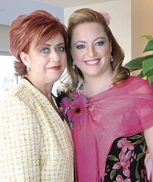 Tere Marabotto de Hernández con su hija Mónica