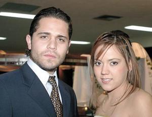 Roberto Barrios y Pamela Castañeda