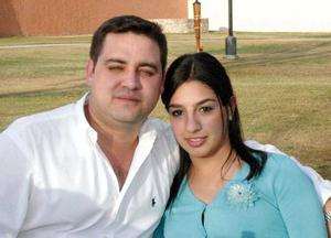 José García y  Lizeth Giacomán