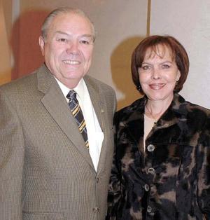 Elisa S. de Morales y Ángel Morales.