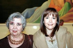 Lupita Cueto de Allegre y Laura Dávalos de Allegre.