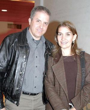 Roberto González Lobo y Susana G. de González.