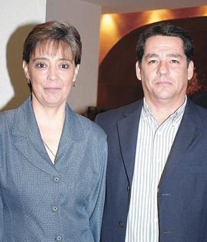<b>UN GRAN CONCIERTO</B> <BR> Sergio R. Gutiérrez y Claudia de Gutiérrez.