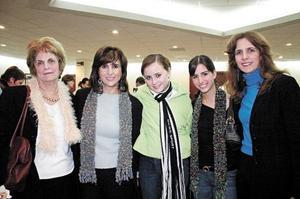 Hilda Kawas de Zarzar, Nadia Giacomán, Mariana Webb, Janet Giacomán, y Sonia Zarzar