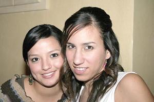 Ruth Medinaveitia y Esthela González