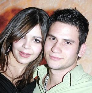 <B>...Y LLEGÓ LA NOCHE</B> <BR>  Luis Ernesto Olhagaray Saracho y Lidia Cárdenas Rodríguez
