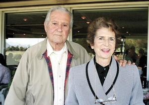 Sr. Alejandro Cárdenas Carranza y Sra. Ma. Estela Saenz de Cárdenas