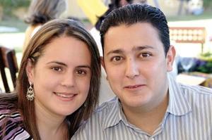 Julio Villalobos y Brenda B. de Villalobos