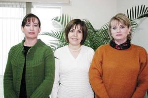 <b>BABY SHOWER</B> <BR>  Claudia G. de Valdés, Ana Tere Martínez de García y Susana G. de Garza