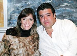 <b> LA BUENA MESA</B> <BR> Raúl Castro y Magdalena Fahur