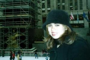 Brenda Porras Garza, captada en el Rockefeller Center en la ciudad de Nueva York.