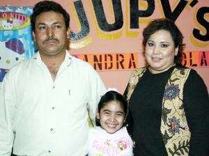 <b>06 de febrero de 2005</b> <p> Sandra Paola Rodríguez Ubillo cumplió siete años y está en compañía de sus papás