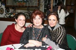 Alejandra Madero, María Matilde Valdés y Guadalupe Valdés.