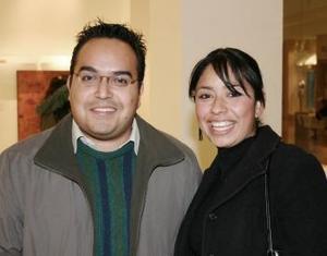 Lyzzon Garbuno y Fernando Esparza.