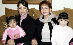 María Eugenia Rodríguez de Gutiérrez festejó su cumpleaños con Luz Marcela Ortega, Regina y Katia Ortega Villarreal.