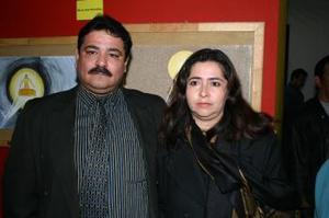 Roberto Ochoa y Patricia Bejanda de Ochoa.