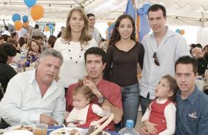 Jorge Zermeño Infante celebró su cumpleaños junto a sus hijos Alfonso, Eduardo y Jorge, sus nueras Anabel de Zermeño y Daniela de Zermeño y sus nietas, Andrea y Ana Victoria Zermeño Velarde.