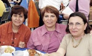 Anita Betancourt, Lupita Villarreal y Malena Lugo.