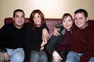<b> 08 de febrero de 2005</b> <p> Sergio Aldape, Mary Sánchez, Ariel Gómez  y Gaby de Gómez.