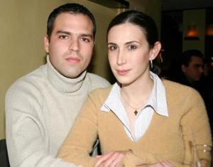 Luis David V. y Lucía Sada.