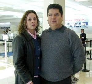 <b>08 de febrero de 2005</b> <p> Aurelio Rangel y Marlon Romero de Rangel viajaron a México.