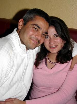 <b>09 de febrero de 2005</b> <p> Ricardo y Orely Villarreal.