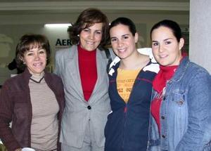 Catherine Plawin viajó a Buenos Aires Argentina y fue despedida por Lupita de Henauff, Solvia de Plawin y Nathalie Plawin