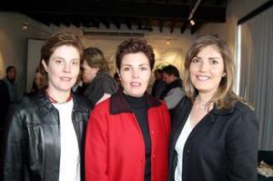 <b>09 de febrero de 2005</b> <p> Selina de Cepeda, María Rosa Bremer de Torres y Mirita Bredée de Garza.